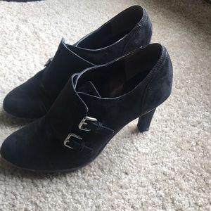 Tahari buckled heels